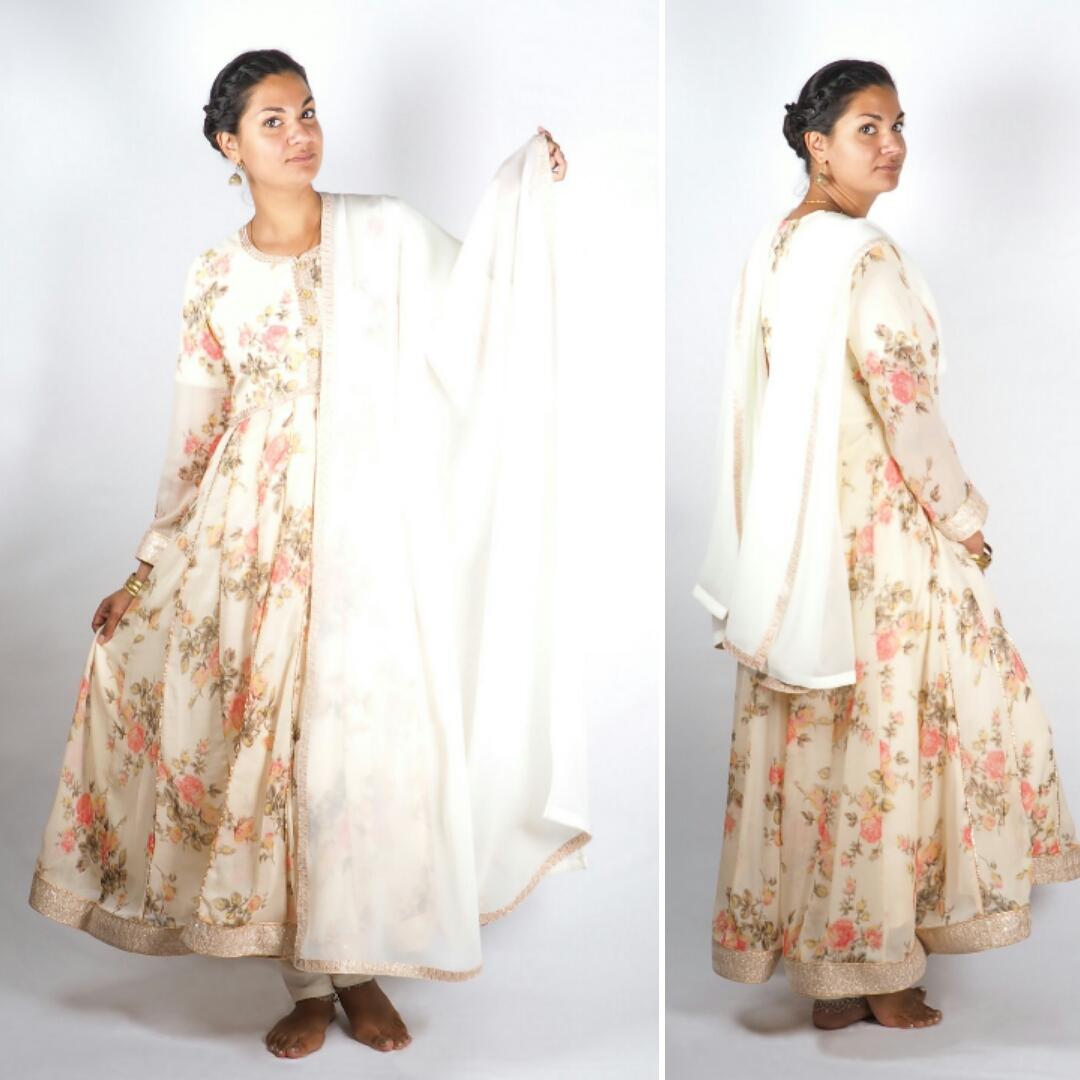 Indische Lehengas online kaufen  Indische Kleider  Online-Shop